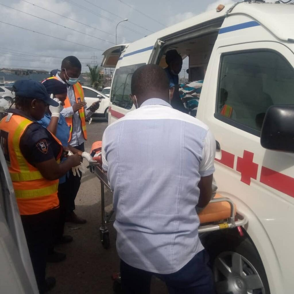 Free First Aid Services To Accident Victims along Lekki-Epe Expressway